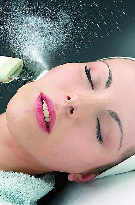 Ультразвуковая чистка лица в косметологии Медитэкс в Петропавловске-Камчатском